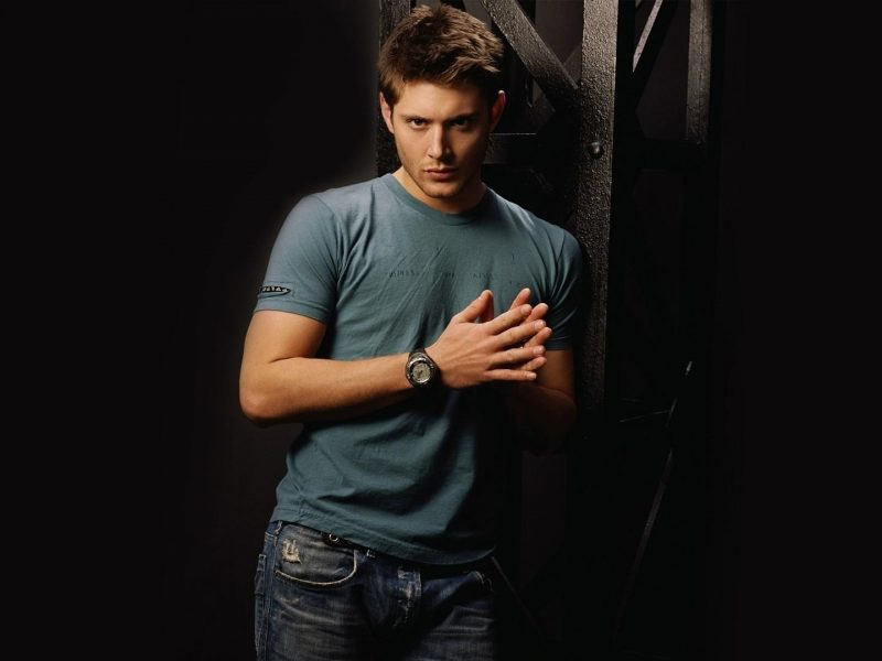 Jensen Ackles-T-shirt-stilfuld-watch